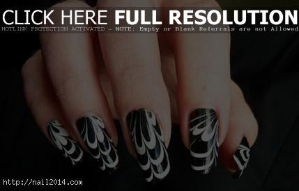 GLossy Nail Art Black White Design