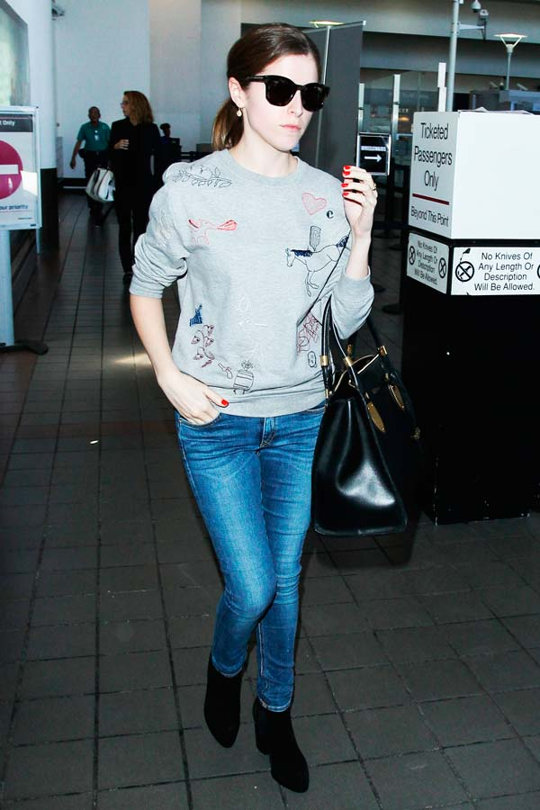 Celeb Airport Outfits To Copy