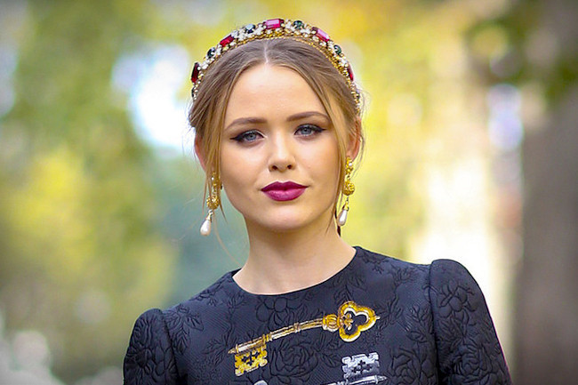 Ideas for Wearing Bejeweled Headpieces