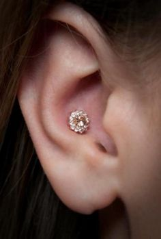 Different Ear Piercing Types and Ways of Wearing Them
