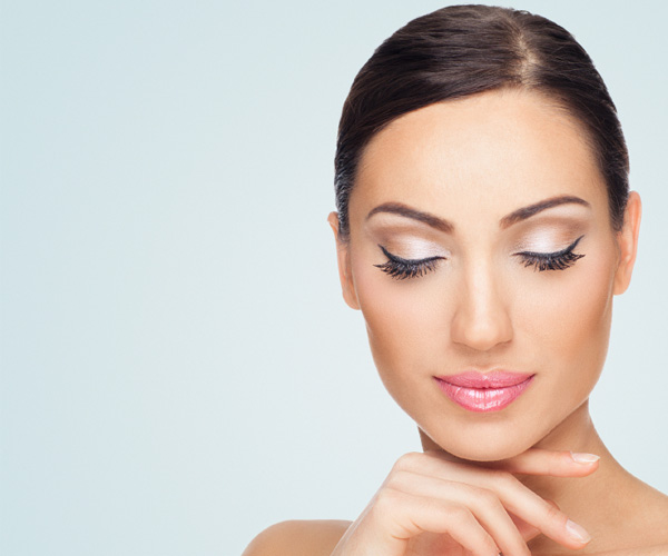 Ways to Grow Beautiful Long Lashes