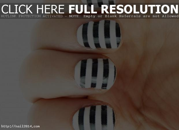 Black White Texture Nail Design